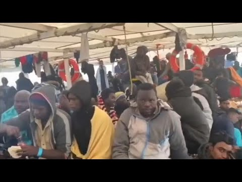 Italy Accepts 363 Migrants And Refugees Rescued At Sea