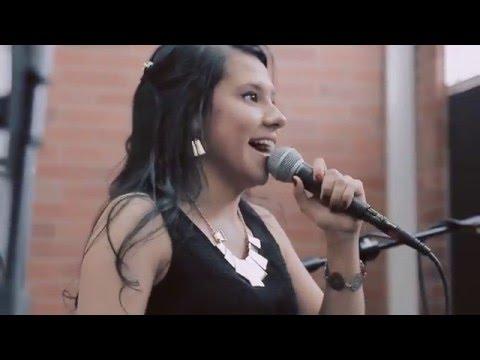 Air mail special - Laura Muñoz