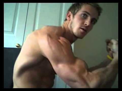 Flexing Bodybuilder Sexy Webcam
