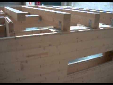 Muro portante de tablones de madera laminada 1 youtube for Madera laminada