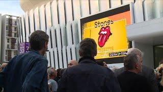 Les fans des Rolling Stones trépignent devant la U Arena