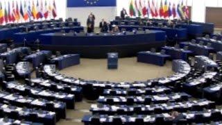 Több bírót vagy több igazságosságot? - Morvai dilemmája az EP - ben