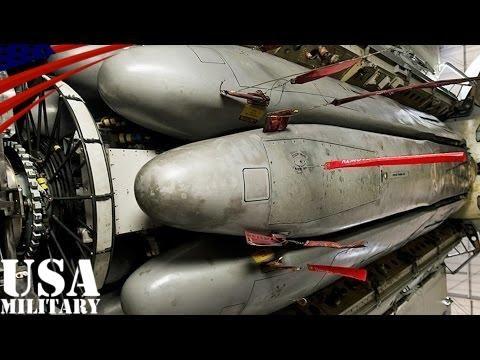 B-52爆撃機の爆弾倉 核ミサイル(AGM-86)搭載 回転式ランチャー