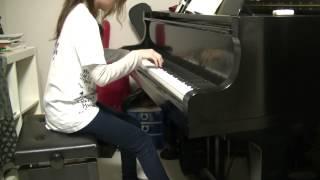 バンドでコピーする機会があり、ピアノでも弾いてみようと思ってやって...
