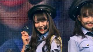 成人式コンサートよりNMB48同い年5人による警察官ピークです。 白間美瑠(みるるん) 古賀成美(なる) 石塚朱莉(あんちゅ) 加藤夕夏(うーか) 内木志(ここちゃん)