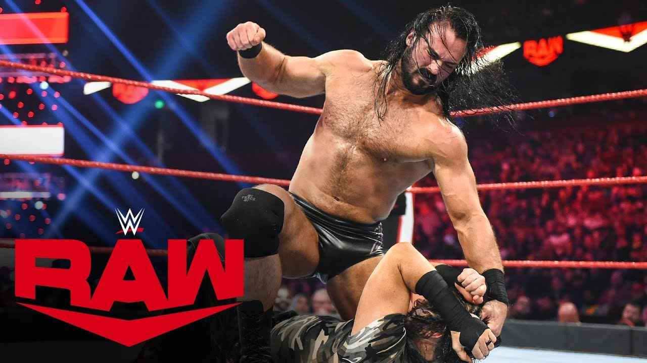 Drew McIntyre derrotando a Matt Hardy en este pasado Monday Night Raw.
