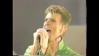 David Bowie – Under Pressure (Live GQ Awards 1997)