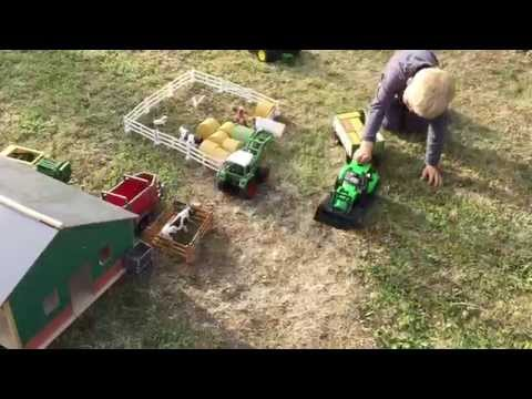 BRUDER Farm for CHILDREN Grossballen-Presse & FENDT Farmer3091 von Jack Jack(3)