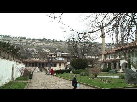 Crimée: les Tatars craignent une russification forcée