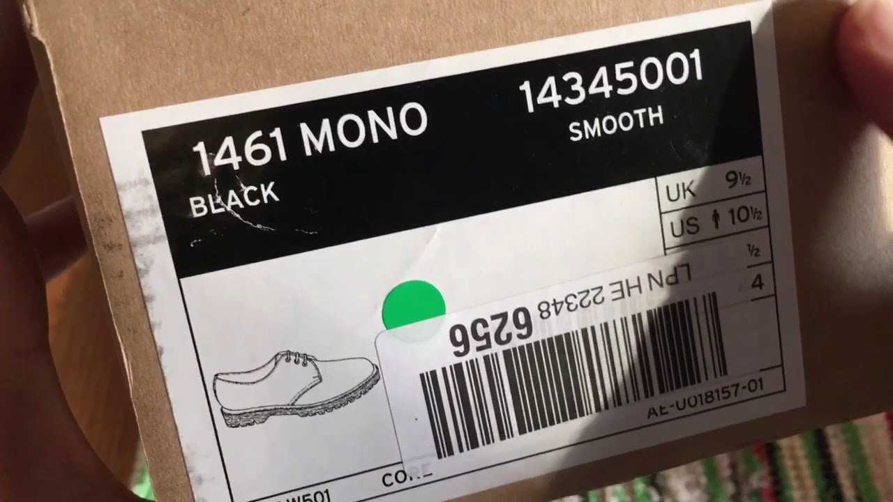 dr martens mono black smooth