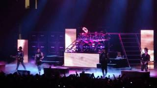avenged sevenfold- a little piece of heaven (live) san diego sports arena 4/17/09