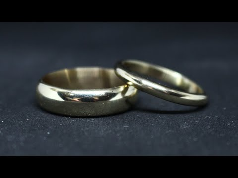MAKING A PAIR OF 9CT GOLD WEDDING RINGS