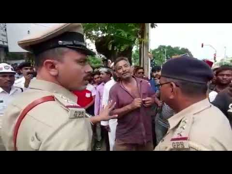Person misbehaving with Vadodara Traffic Police