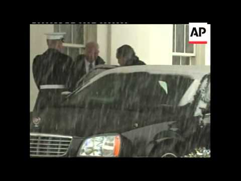 Fmr Pres George HW Bush and son Jeb visit Obama at  White House