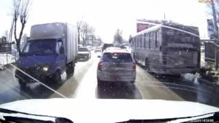 Инспектор ДПС спас пассажира автобуса в Новосибирске