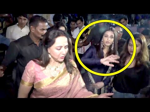 Aishwarya Rai Shows Respect To Senior Hema Malini At Dada Saheb Phalke Awards 2017 Red Carpet