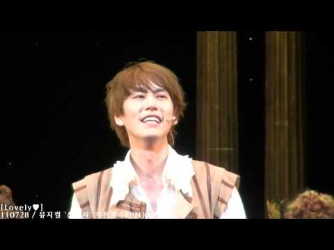 "[Fancam HD] 110728 ""The Three Musketeers"" curtain-call (8PM)"