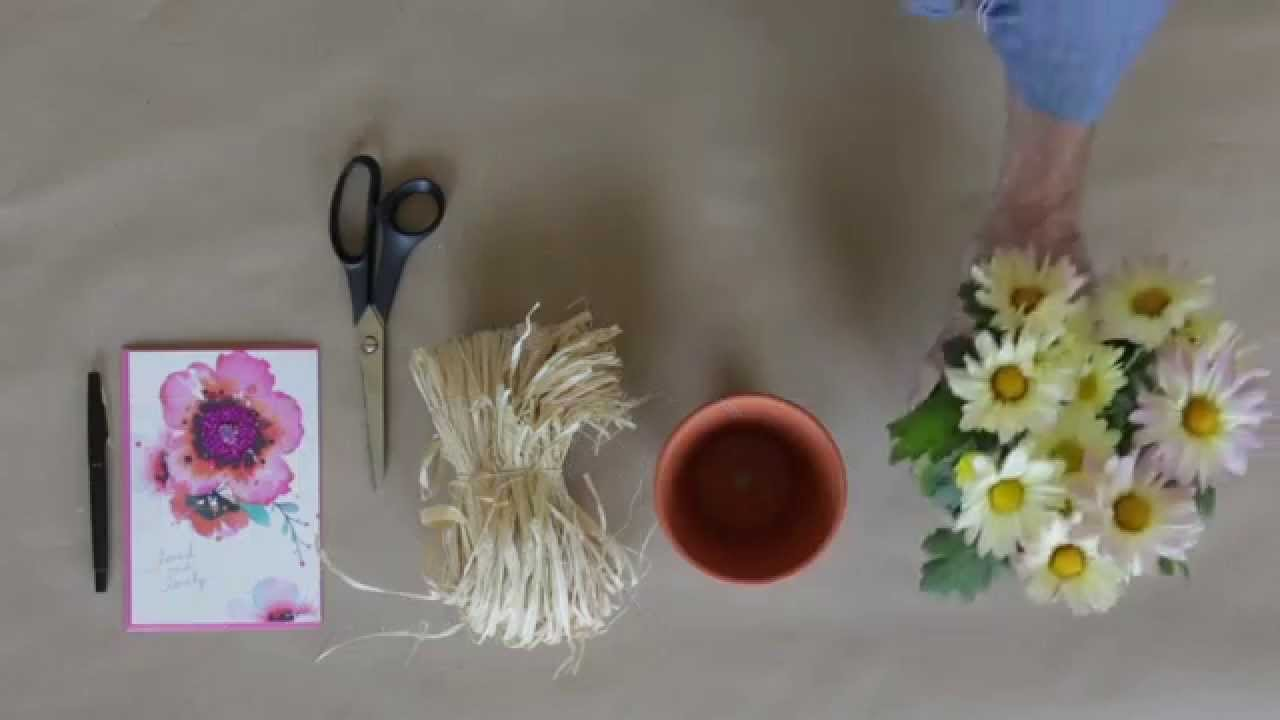 Floral favors diy greeting card holder youtube floral favors diy greeting card holder m4hsunfo