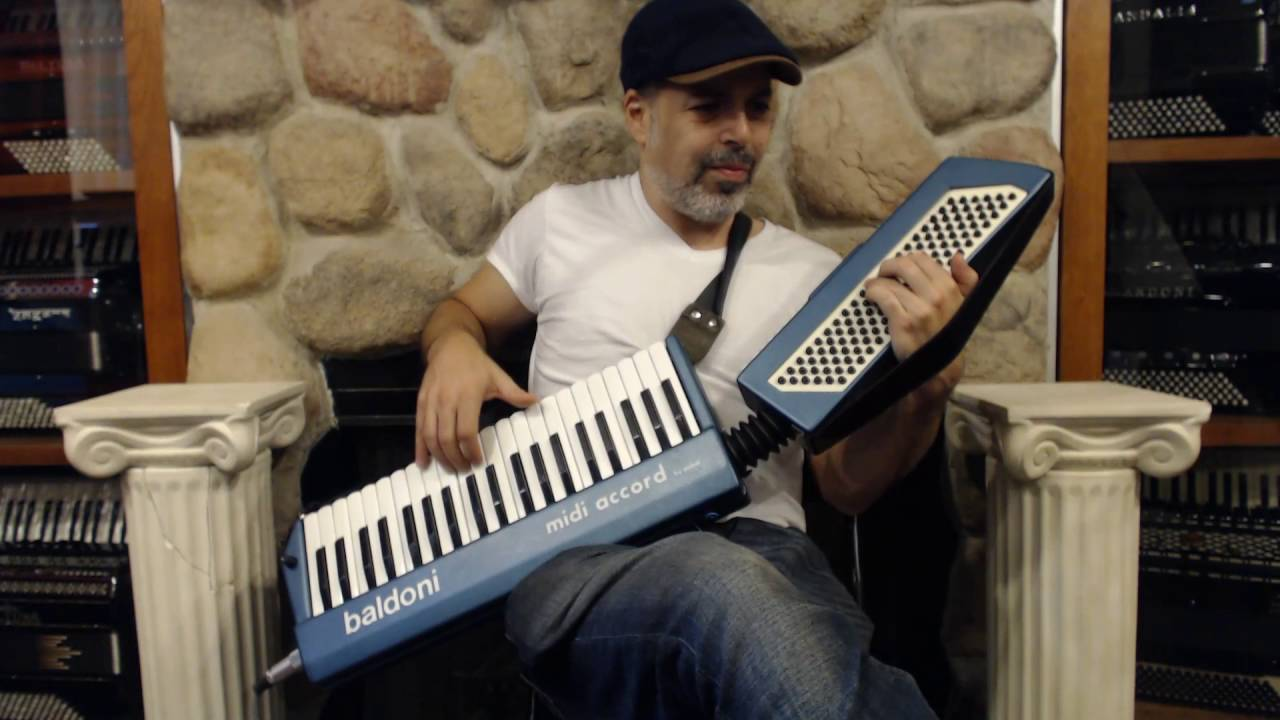 2336 - Blue Baldoni Midi Accord Keytar Accordion 41 120 $1195