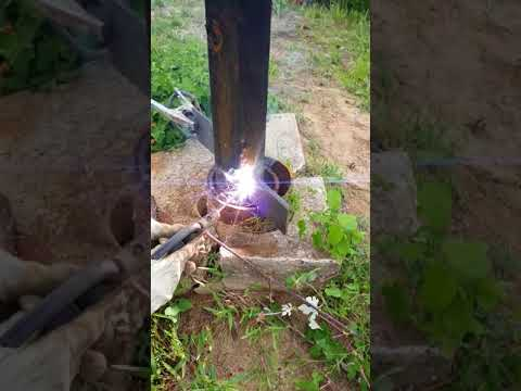Pulling multiple strings of casing with stuck water well pump inside.