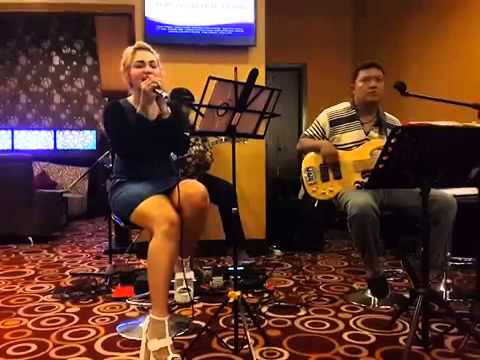 FlashLight (Cover Borneo Akustik)