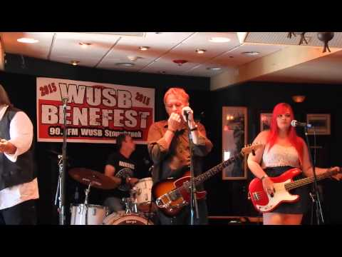 "Finn and His Mortal Enemies ""Rainy Night In Soho"" WUSB Benefest 8-22-15"
