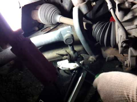 Sway Bar End Links >> How to Tell If Your Sway Bar End Links are Bad - YouTube