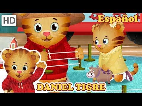 Daniel Tigre en Español 🐄 Jugando en la Granja | Videos para Niños