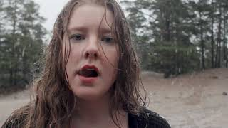 Alexandra Häggman filmen Naken