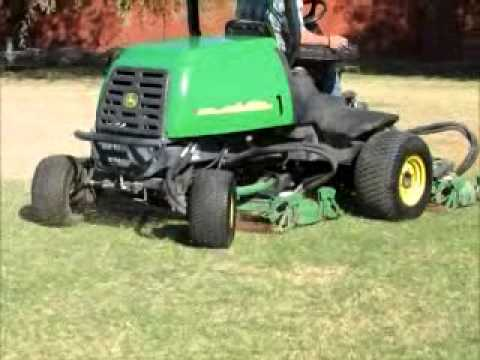 Sold 2004 John Deere 3245c 90 Quot Rotary Ride On Lawn Mower