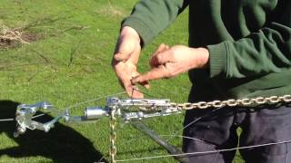 How to tie a Figure 8 knot under tension.