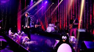 Conor Maynard -- Turn Around (Top Of The Pops Christmas 2012)