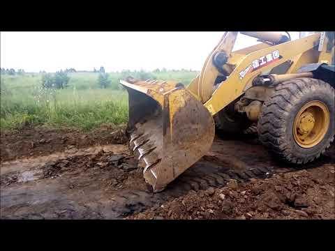 скоблим дорогу от грунта после работы грейдера