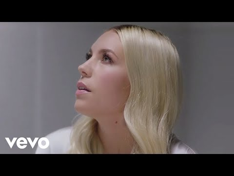 VIDEO : Skylar Grey – Come Up For Air