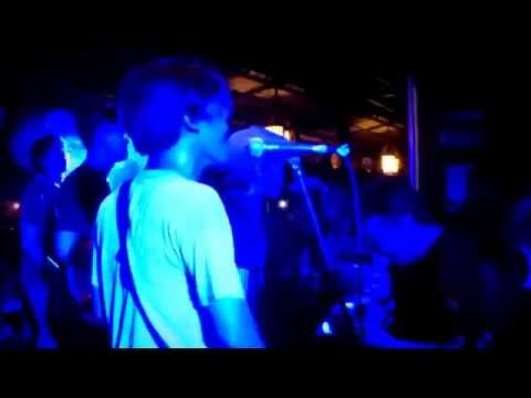 Rslide - Don't look back (oasis cover) live in Am.Pm jajar Surakarta