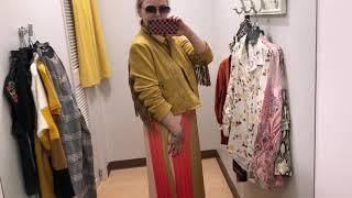 Яркие цвета в одежде женщин постарше