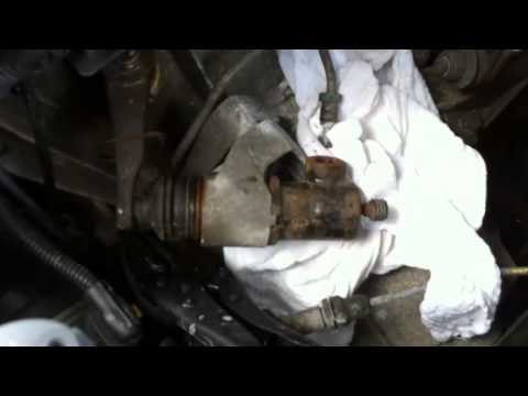 Clutch slave cylinder removal and replace on 07 JTDM ALFA 147