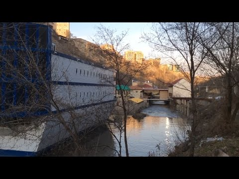 Yerevan, 26.03.17, Su, Video-3, (на рус.), Набережная р.Раздан