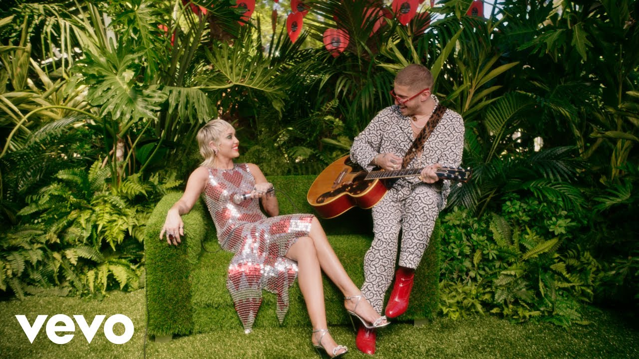 Download Miley Cyrus - Plastic Hearts (Backyard Sessions)