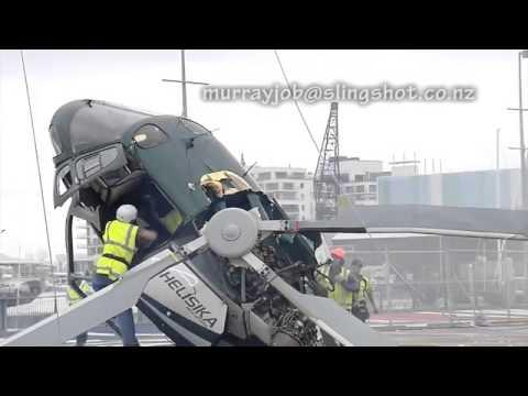 Cánh quạt trực thăng vướng vào dây thép gây tai nạn như phim hành động