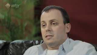 Vetor Editora Entrevista -- Rodrigo Fonseca I Teste Neo Pi R