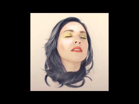 Carla Morrison - Un Beso (official audio)