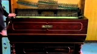Organillo de manubrio Luis Casali de 1900. Afinado.