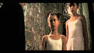 Repeat youtube video Innocence - 2004  Parte10