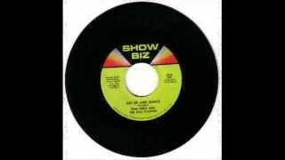 Don Nero and The Full Flavour-Get Up And Dance (SHOWBIZ Promo 225)