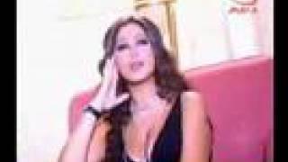 بالفيديو.. إليسا تغني لعمرو دياب 'حبيبي ولا ع باله'