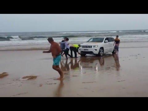 Hilarious Stockton Beach 4WD recovery