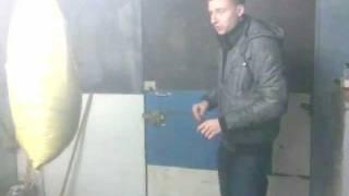 Смешанные единоборства Урок №1(http://vkontakte.ru/id99876796 -Опиратор http://vkontakte.ru/id99876796#/aleksei_zaicev -Тренер., 2011-12-16T20:26:26.000Z)