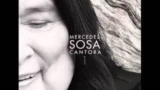 """Mercedes Sosa """"Cantora 1"""" Barro tal vez con Luis Alberto Spinetta."""
