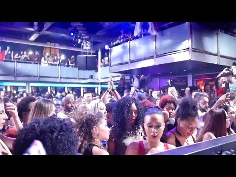 Djeff Afrozila rocks The Docks club | vlog #681